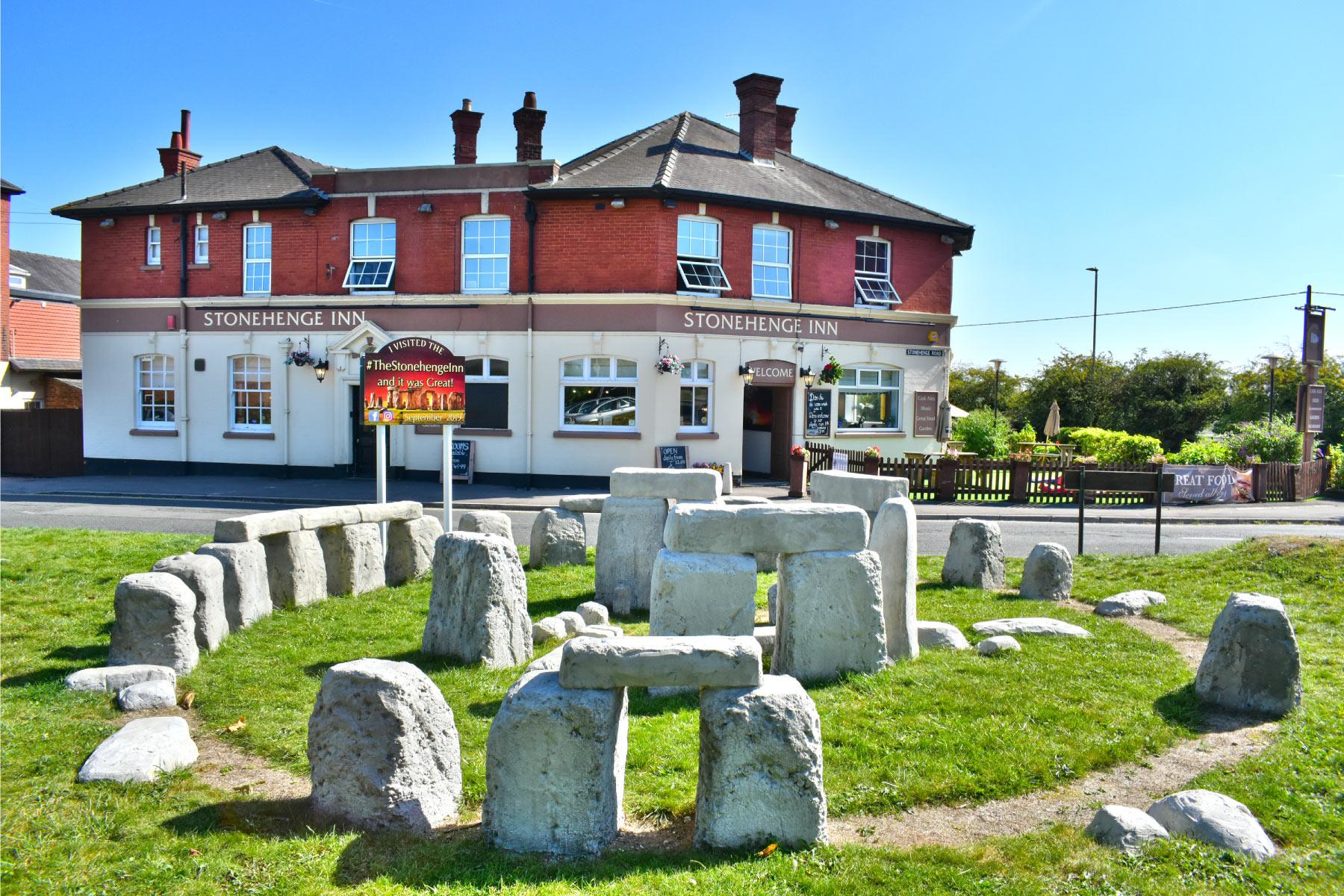Stonehenge Inn